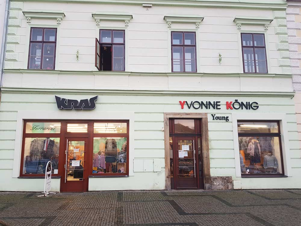 Prodejna Yvonne König na náměstí v Moravské Třebové